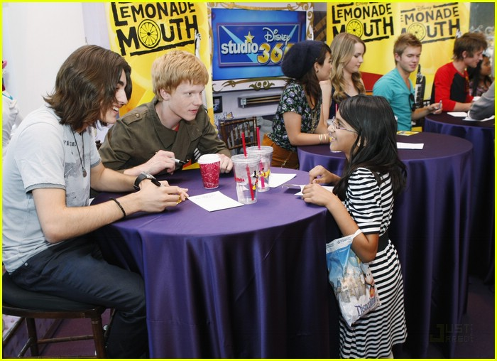 lemonade mouth disneyland 11