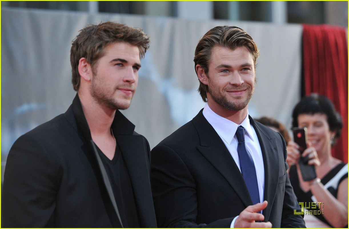 liam hemsworth chris thor 08