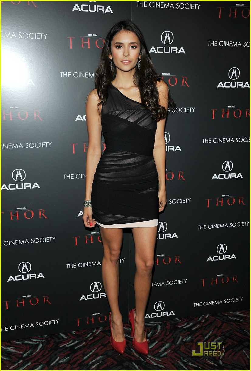 nina dobrev beauty salon stop 02
