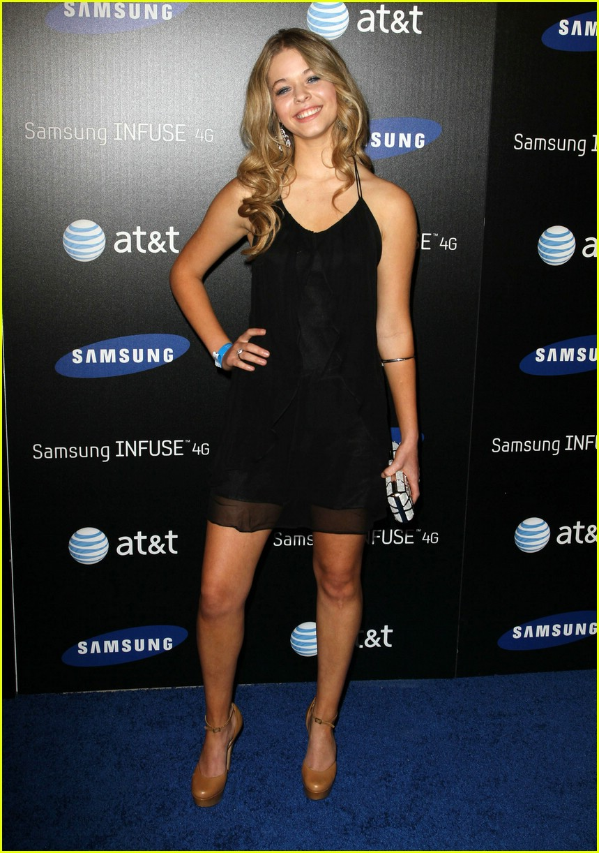 sasha pieterse samsung launch 05
