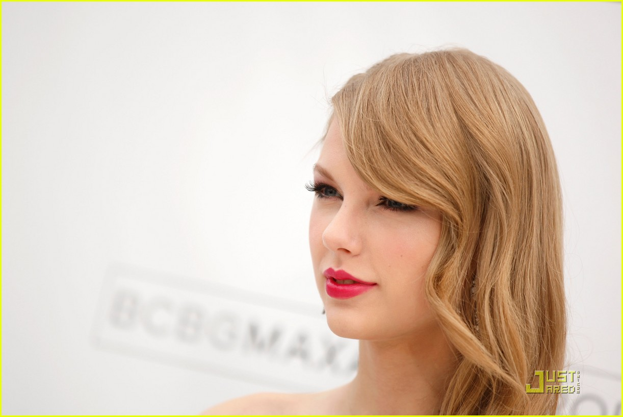taylor swift billboard awards 07