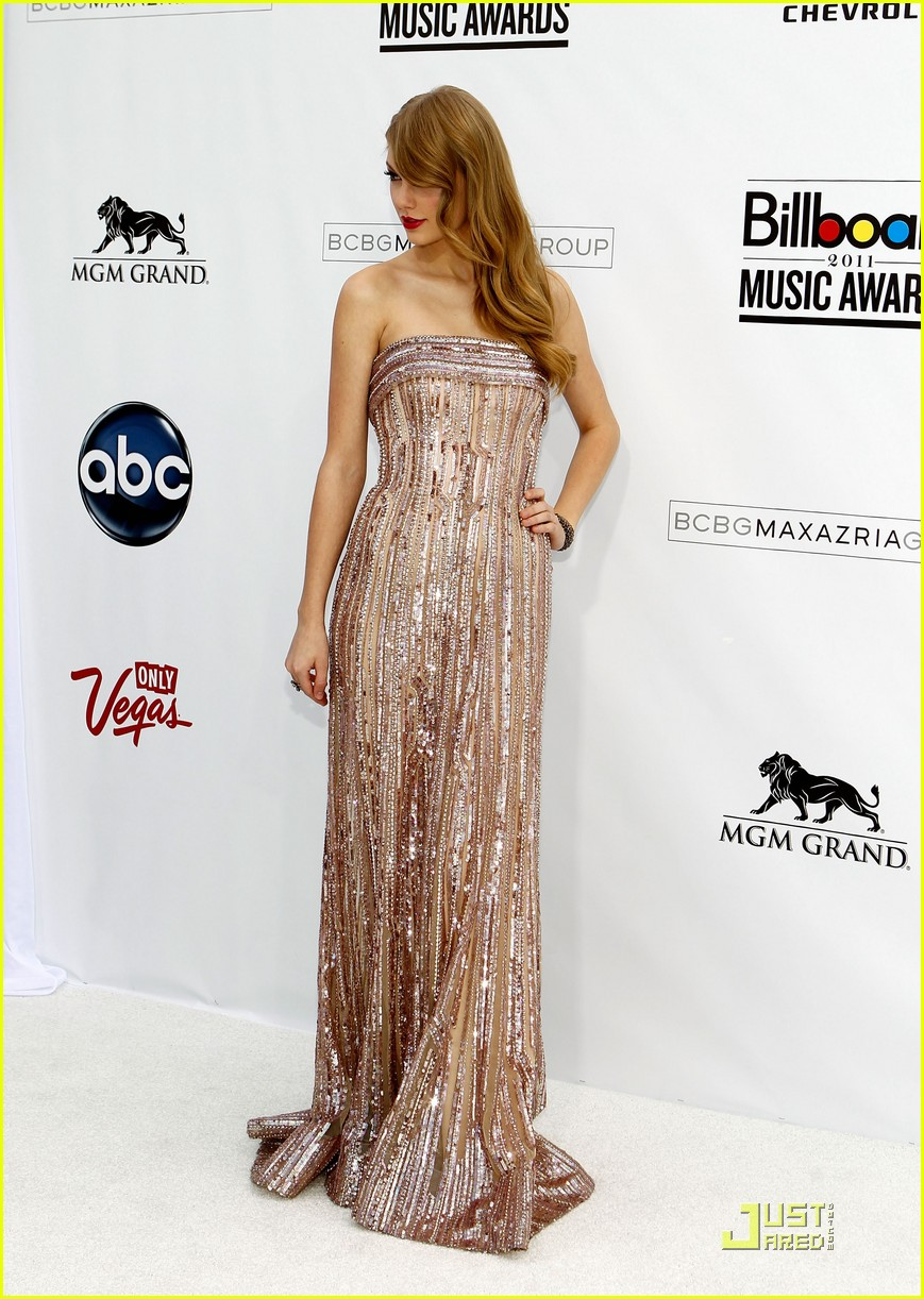 taylor swift billboard awards 16