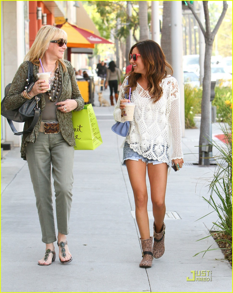 ashley tisdale crochet cool 08