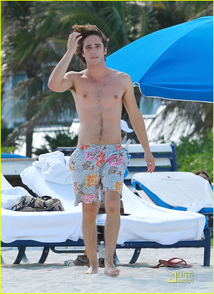 diego boneta miami beach fun 06