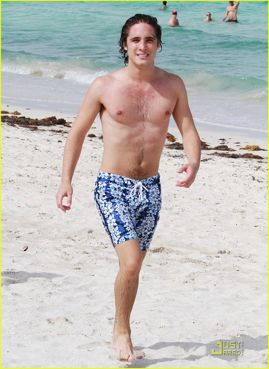 diego boneta beach brother 16