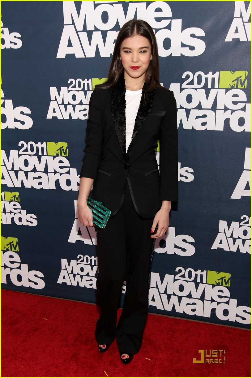 hailee steinfeld mtv movie awards 01
