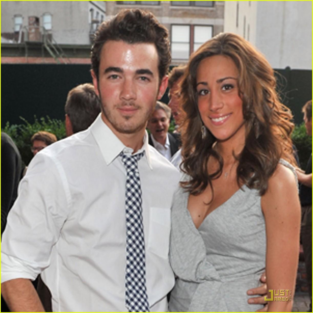 Kevin & Danielle Jonas: Digitas Dinner Date! | Photo ...