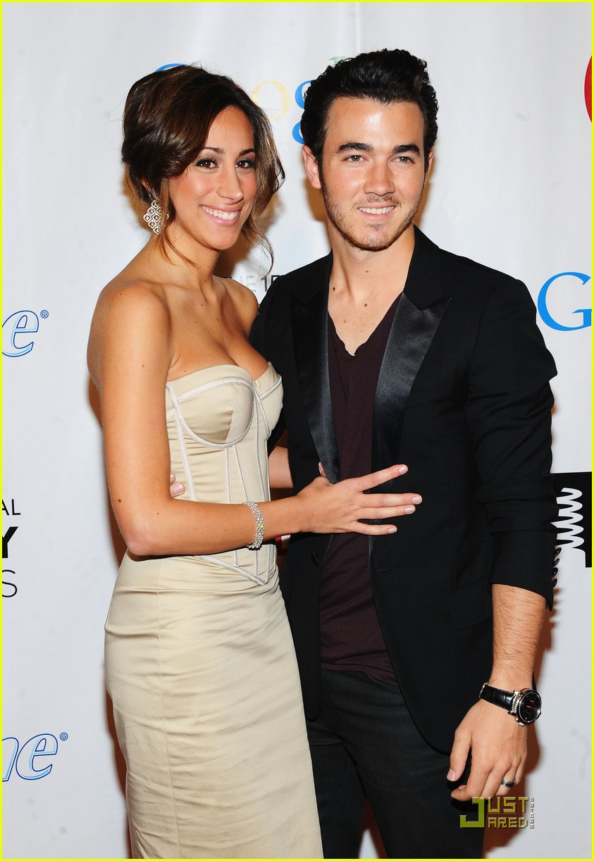 kevin danielle jonas webby awards 01