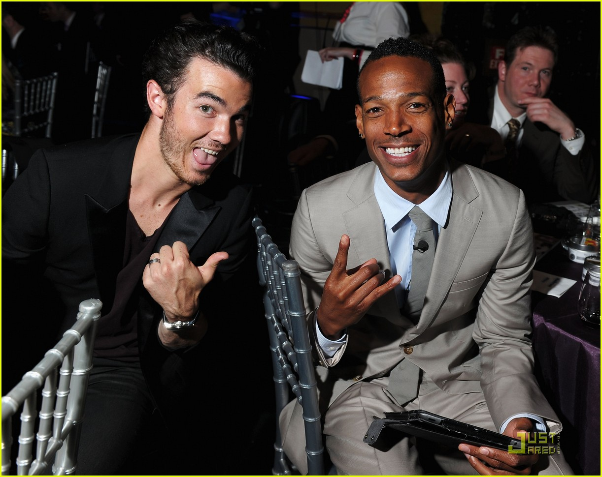 kevin danielle jonas webby awards 04