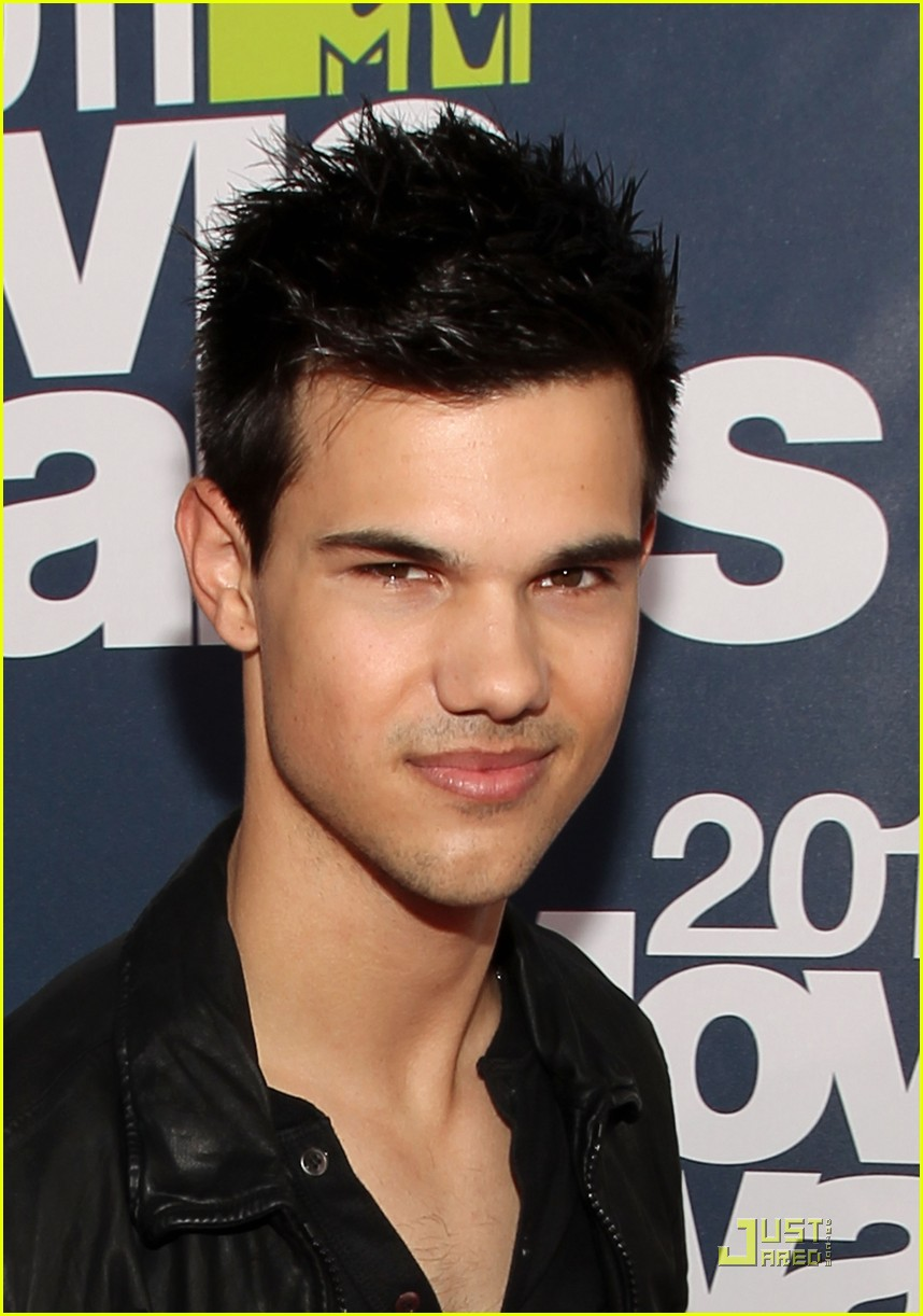 taylor lautner mtv movie awards 01