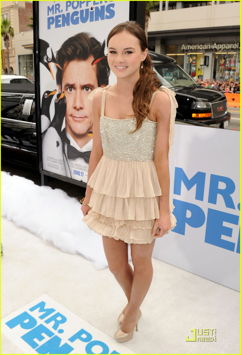 madeline carroll penguin premiere 03