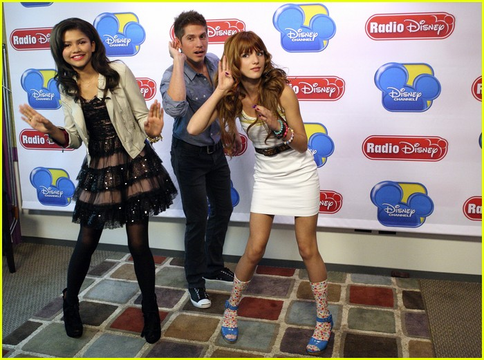 bella zendaya shake up rd 04