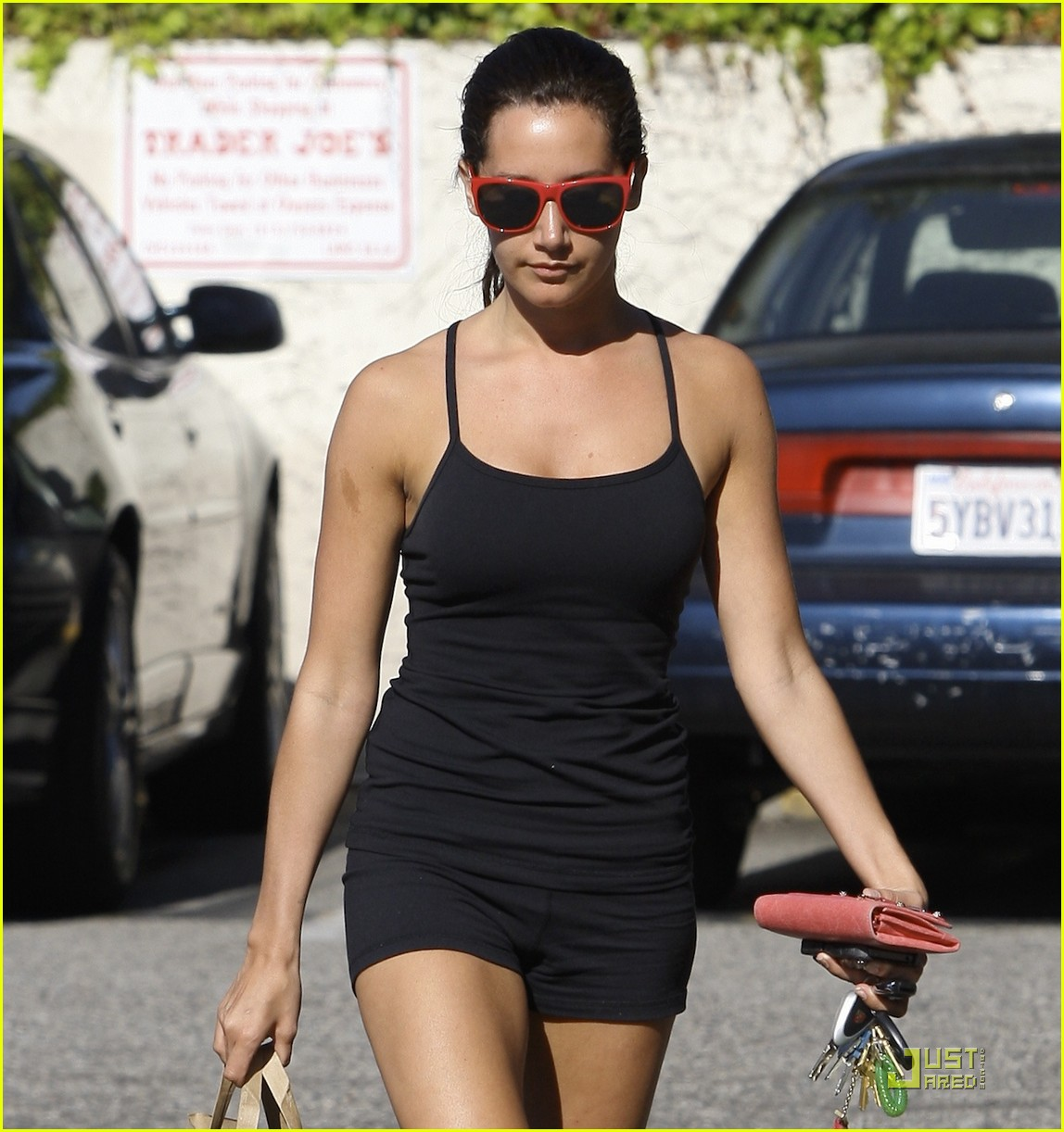 ashley tisdale trader joes 12