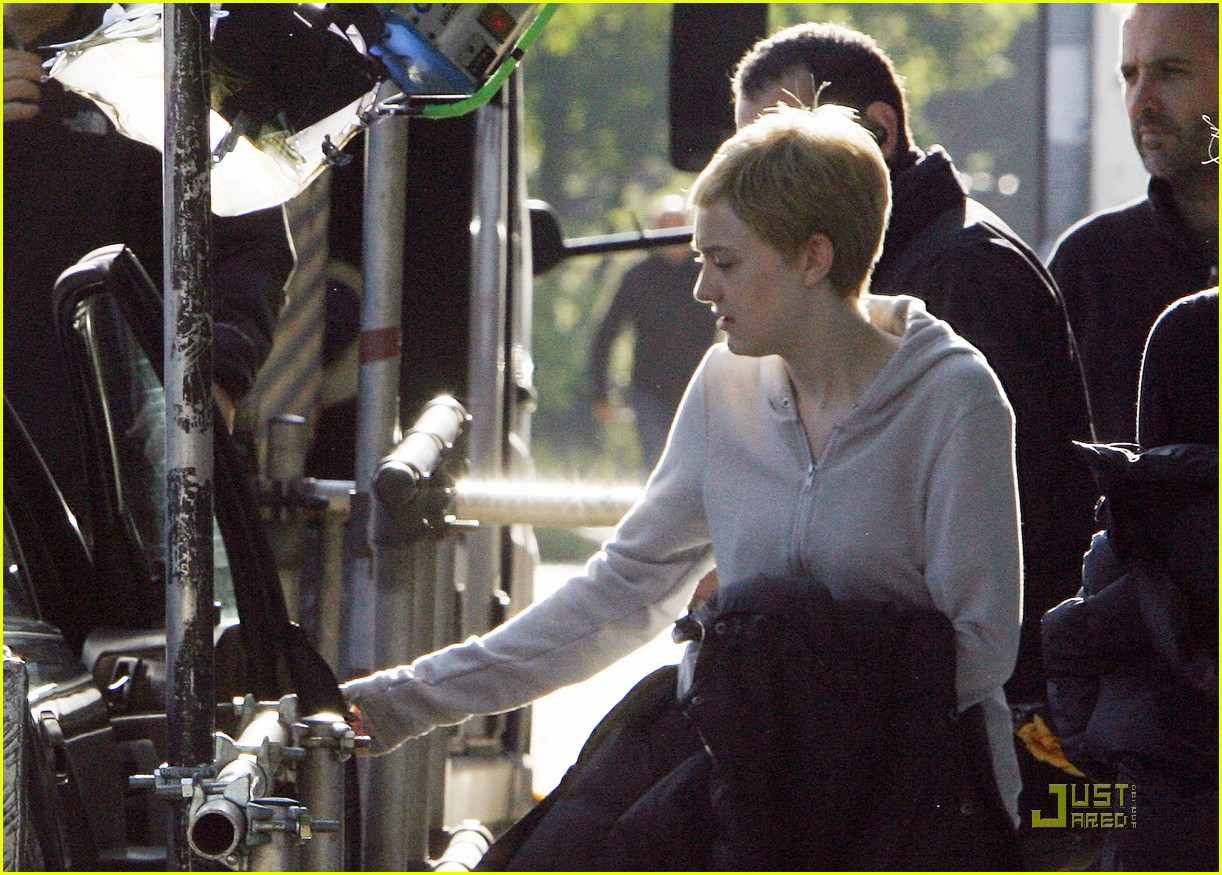 dakota fanning kaya good filming 02