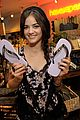 Hale-havianas lucy hale havianas 01