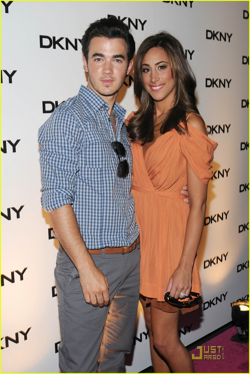 kevin jonas dkny soiree 01