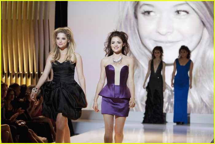 pretty liars fashion show 20