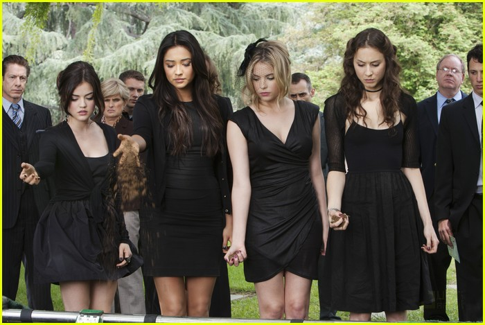 pretty liars funeral two 02
