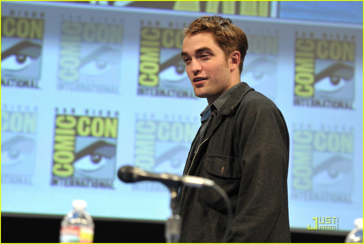 robert kristen comic con panel 27