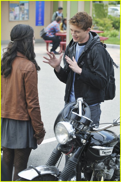 vanessa marano sean berdy signs 02