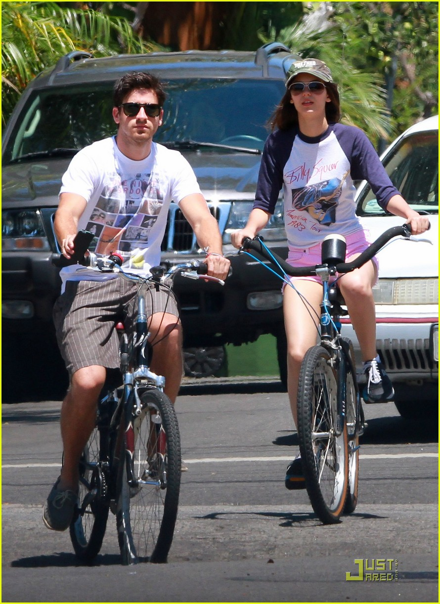 victoria justice ryan rottman cycle 02