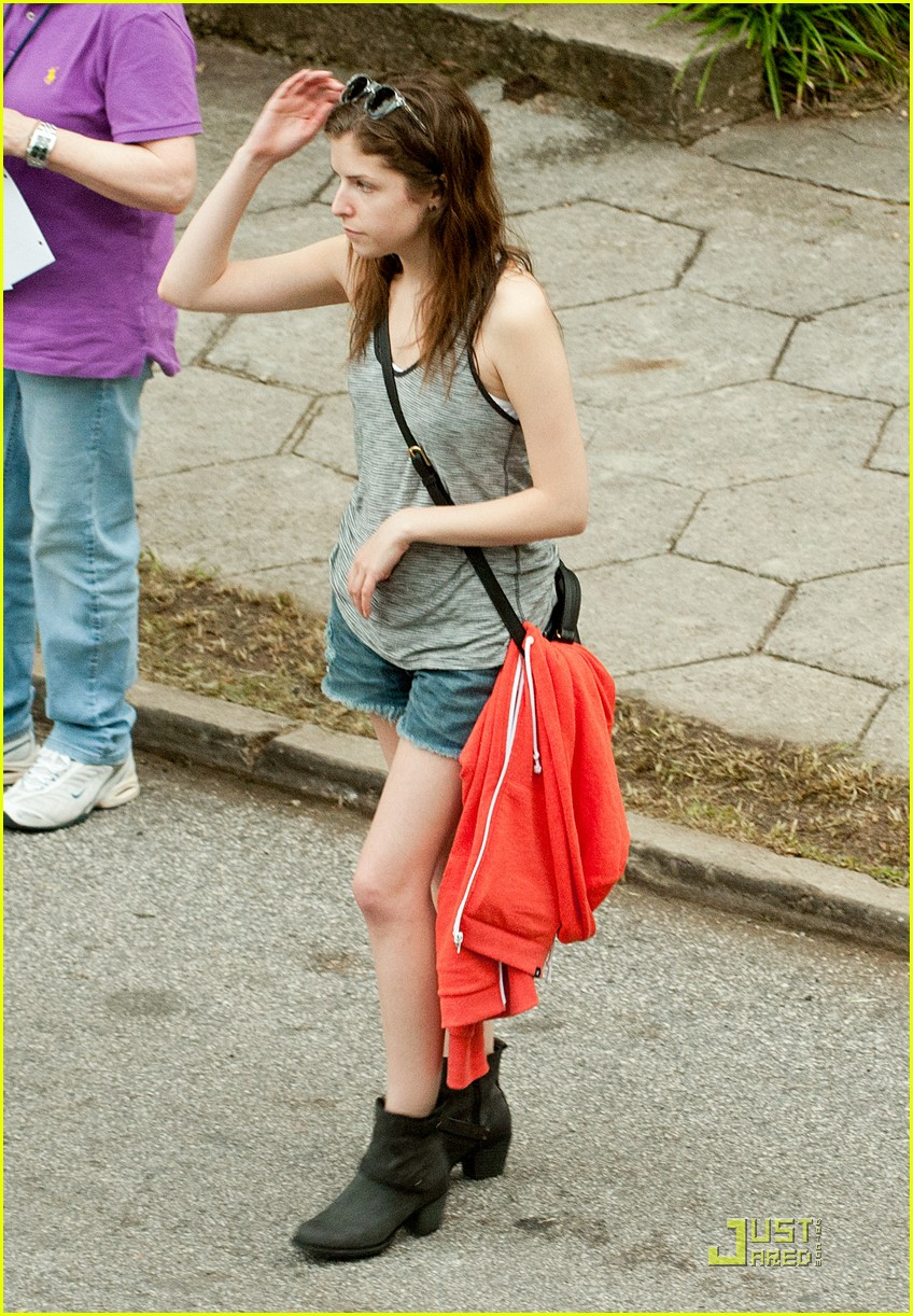 anna kendrick expecting chace 05