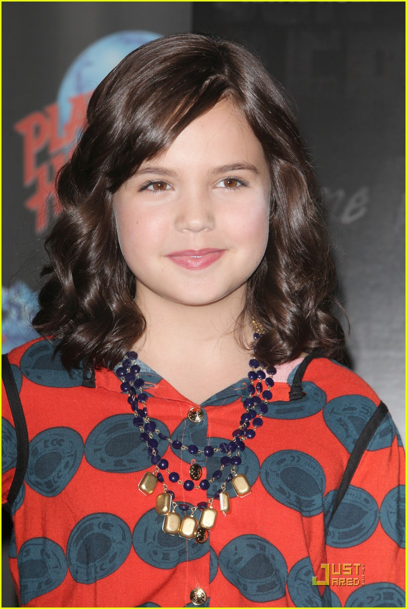 bailee madison afraid dark premiere 02