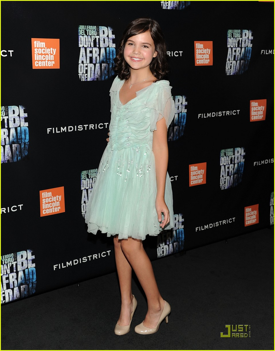 bailee madison afraid dark premiere 17