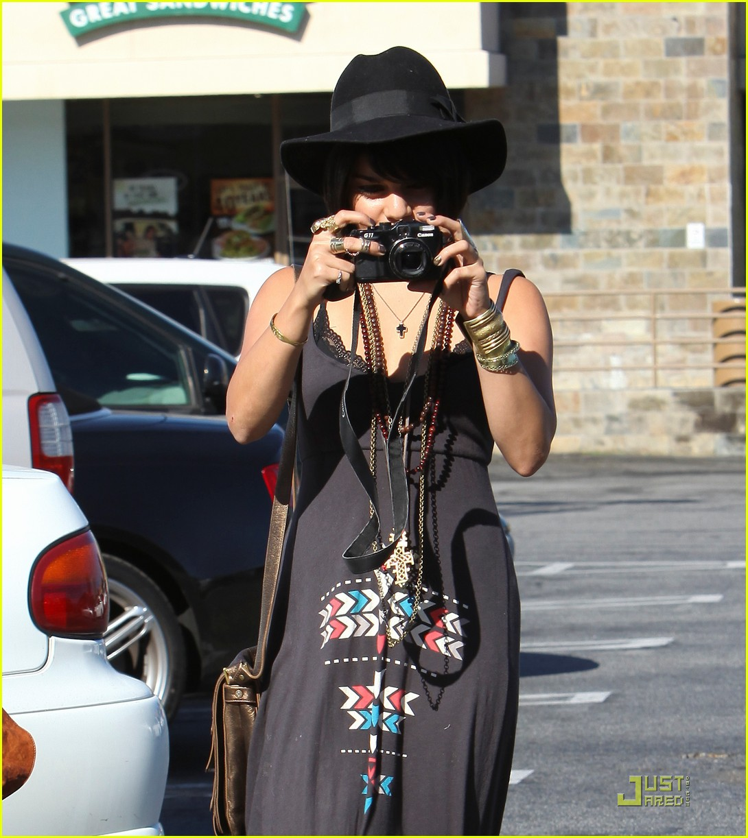 vanessa hudgens stella camera cuties 04