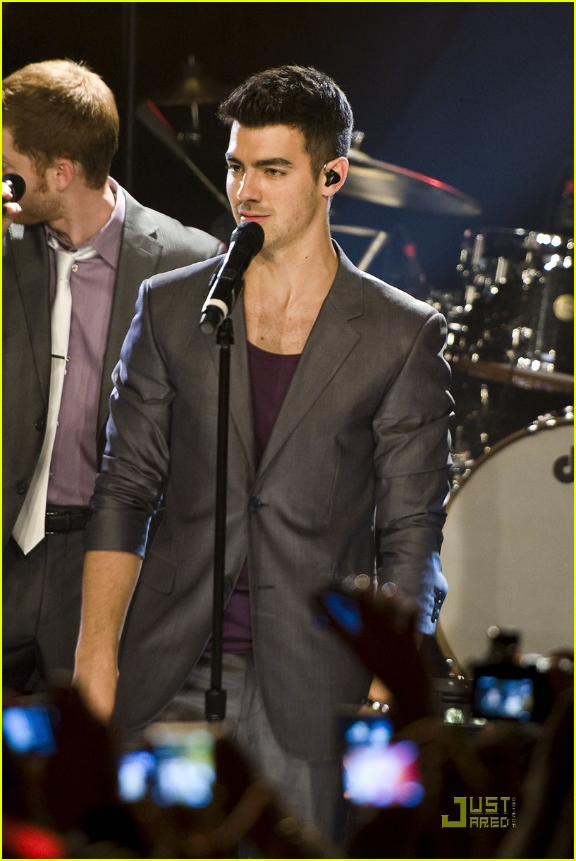 joe jonas heartradio nyc 06