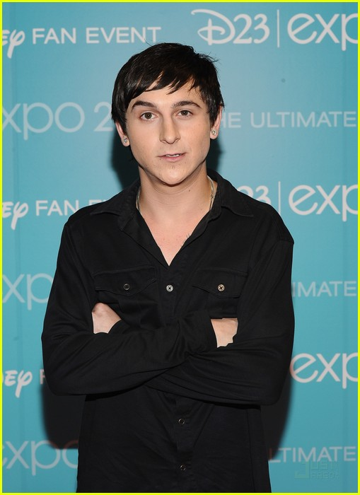 mitchel musso doc shaw kings d23 03