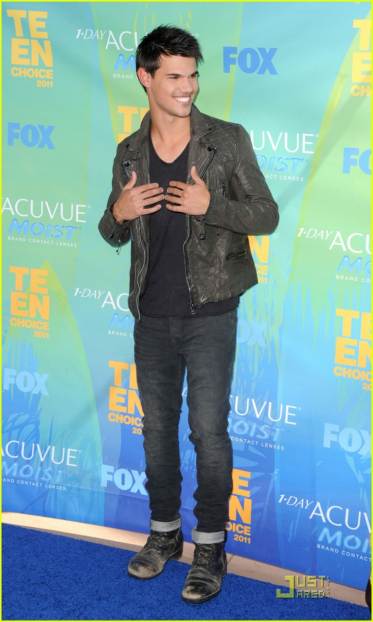 taylor lautner teen choice 12