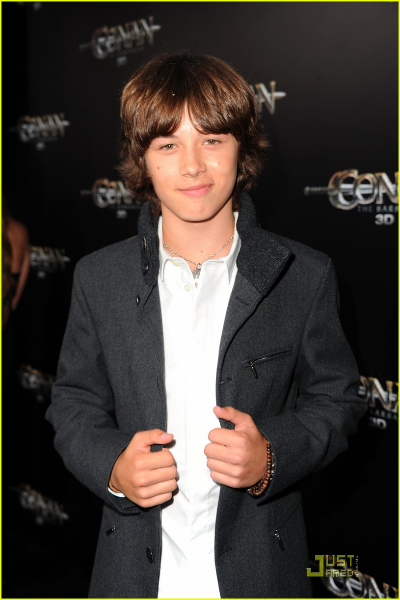 leo howard conan premiere 03