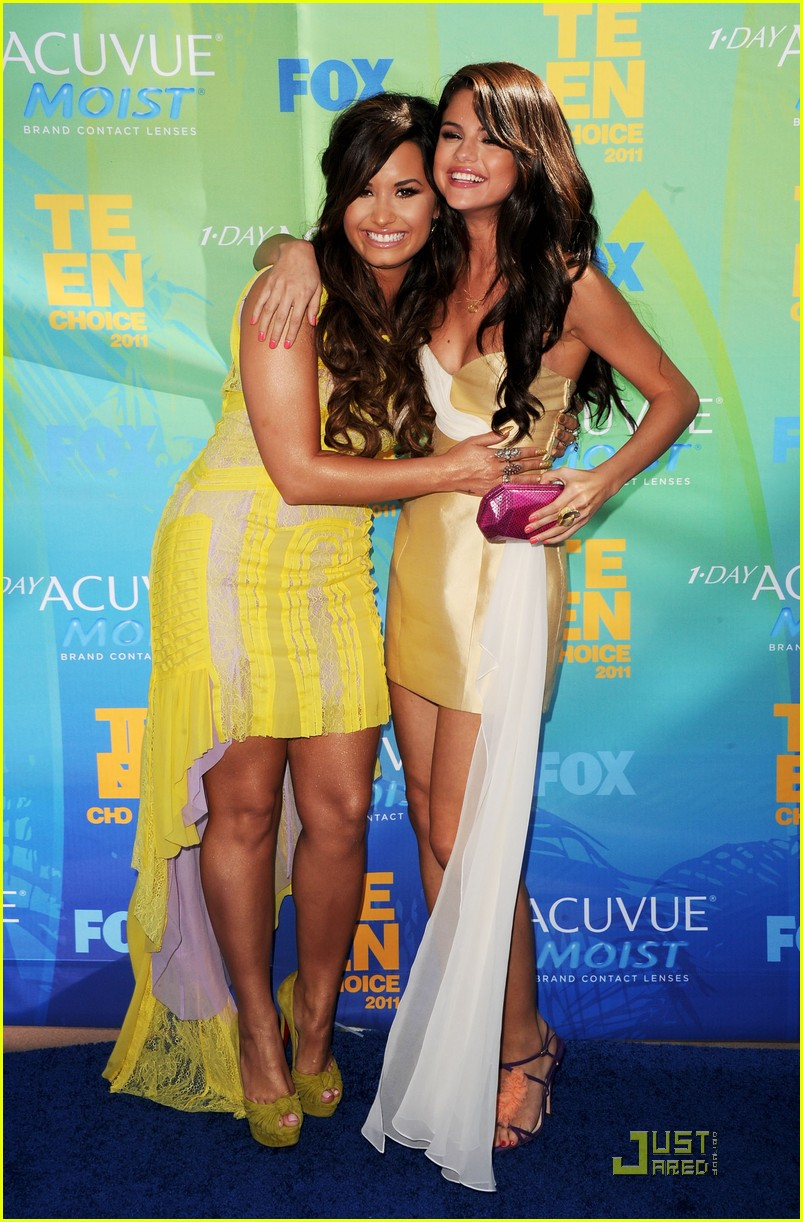 demi lovato selena gomez teen choice 09