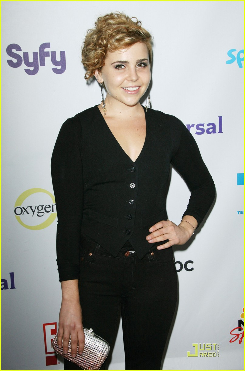 mae whitman nbc party 06