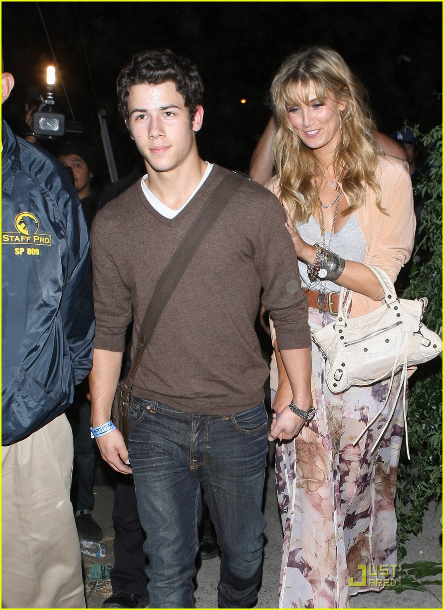 nick jonas delta goodrem adele 10