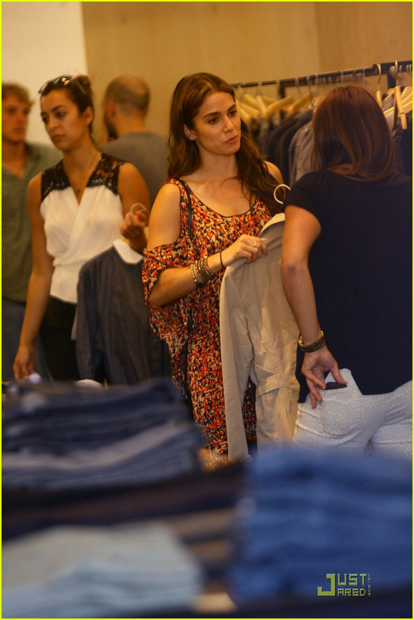 nikki reed 1969 shopping 12