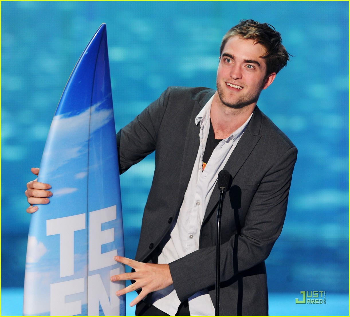 robert pattinson tcas 05