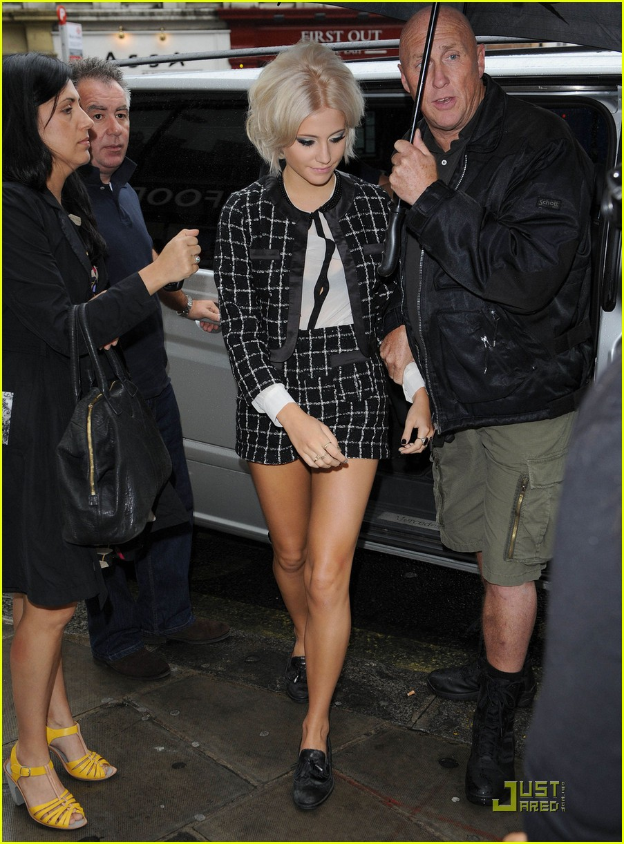 pixie lott lipsy aat acoustic 01
