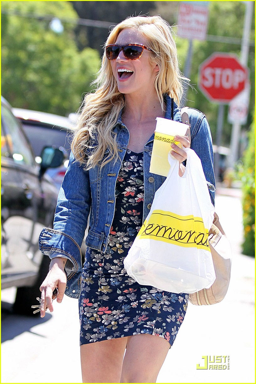brittany snow lemonade lunch 07
