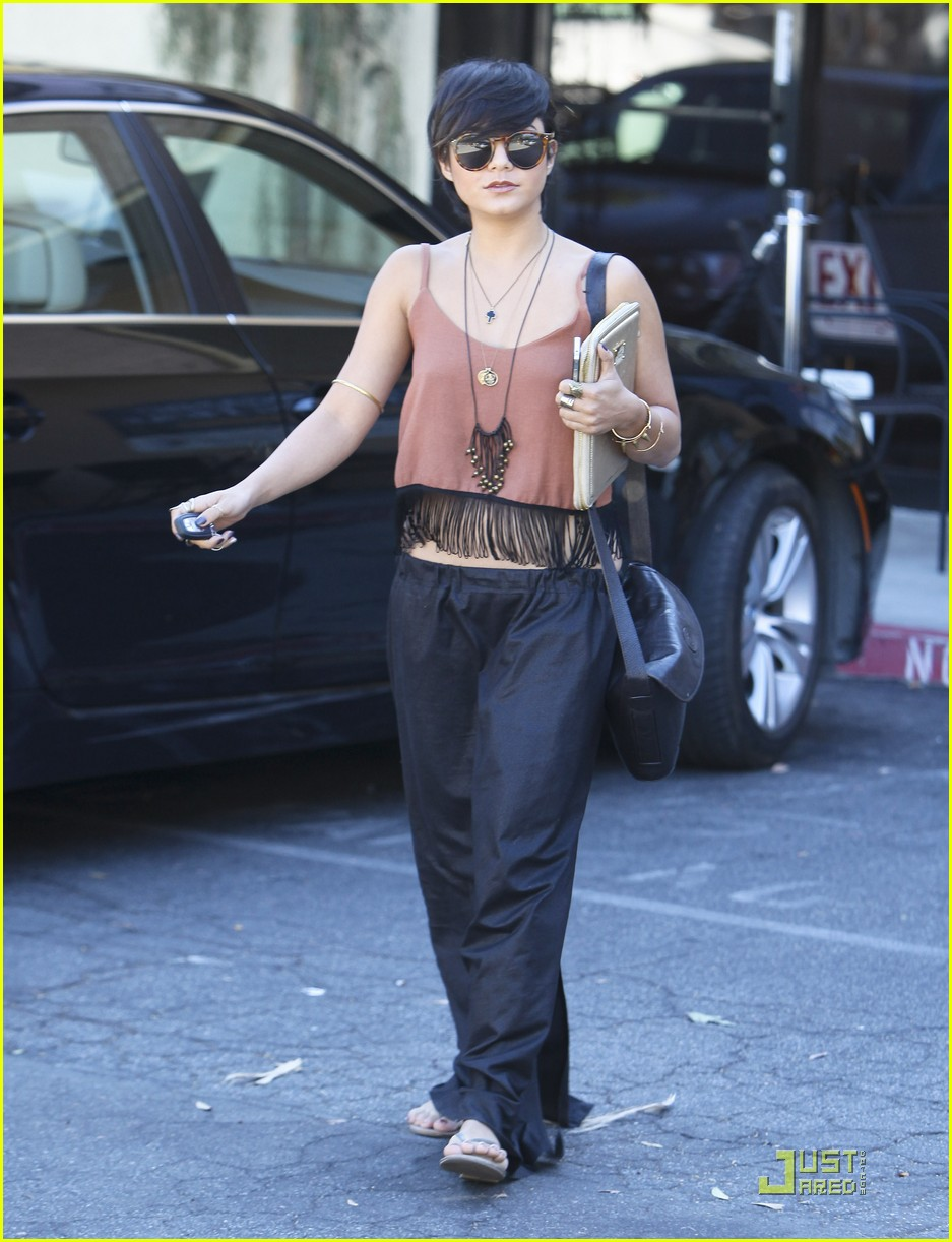 vanessa hudgens laura new lunch 04