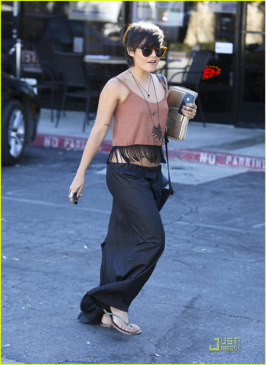 vanessa hudgens laura new lunch 17