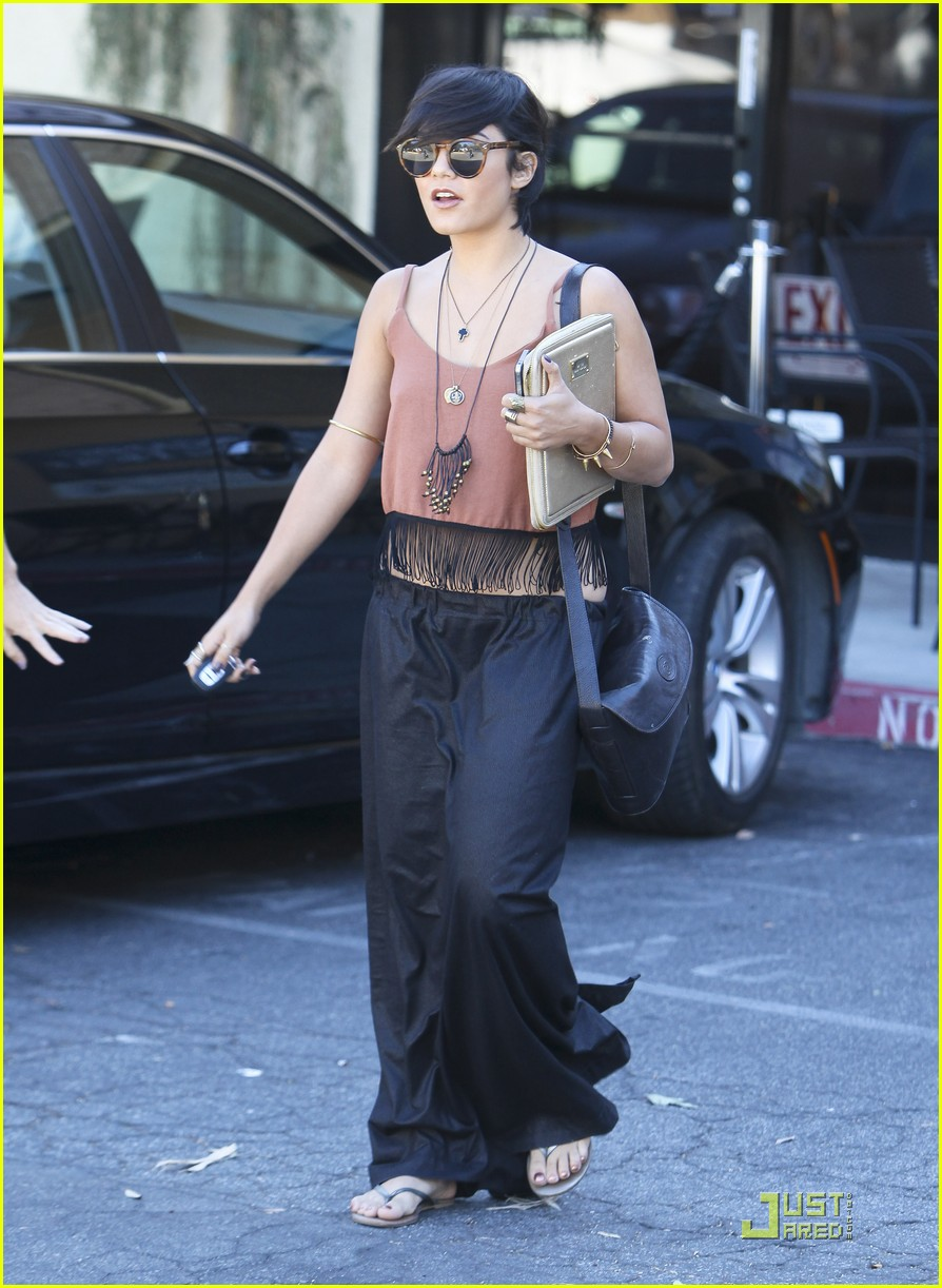 vanessa hudgens laura new lunch 20