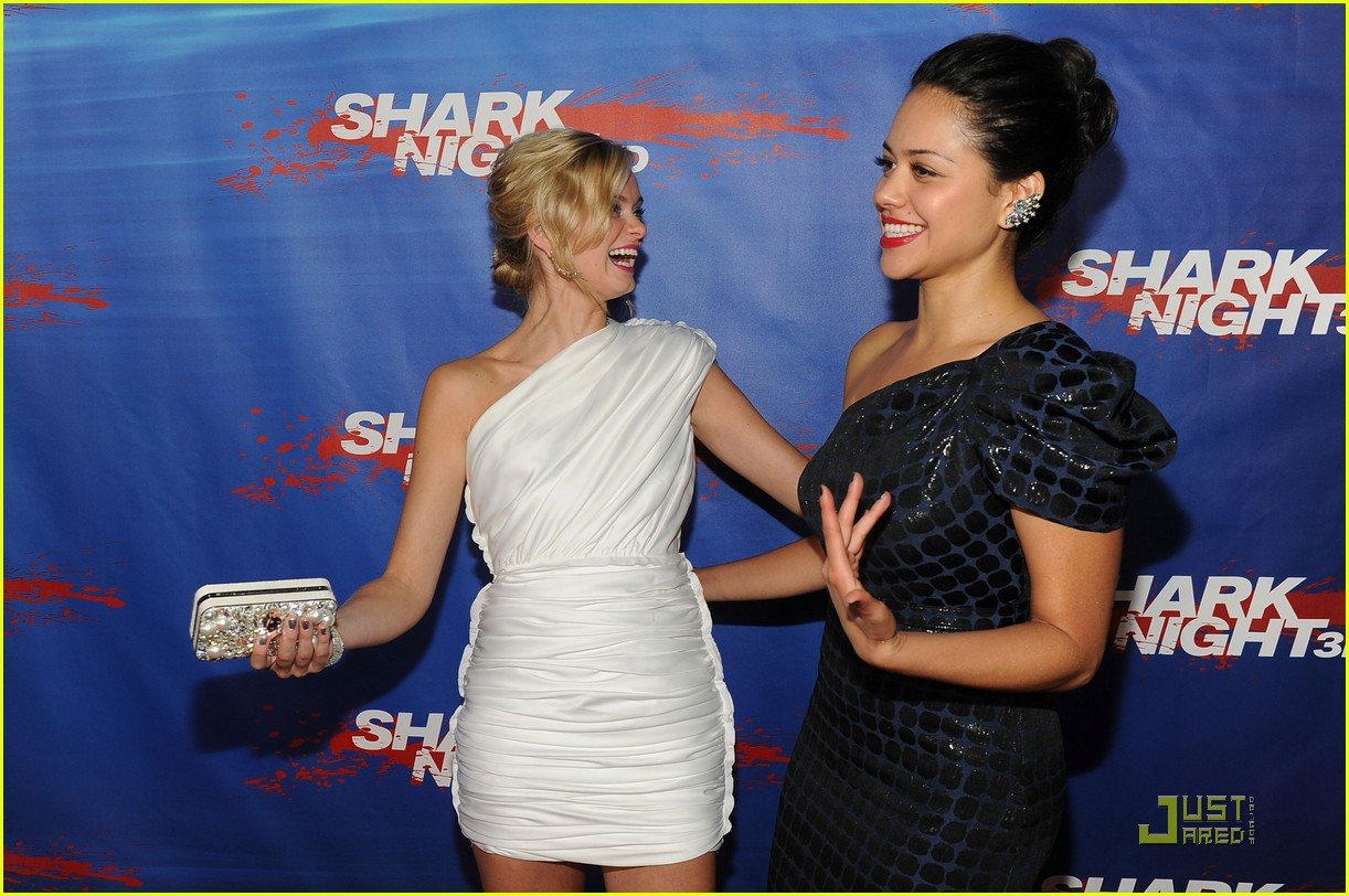 alyssa diaz shark night 16