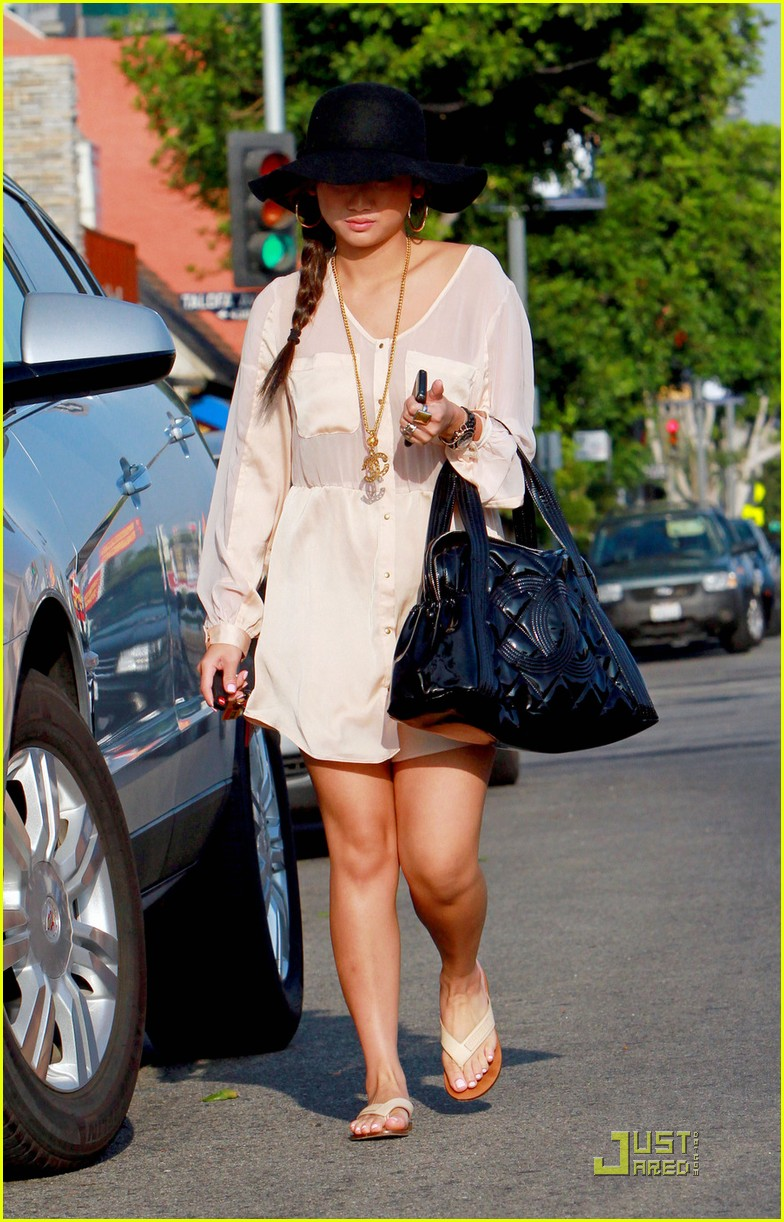 brenda song errands sat 14