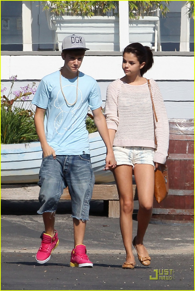 selena gomez justin bieber beach 19