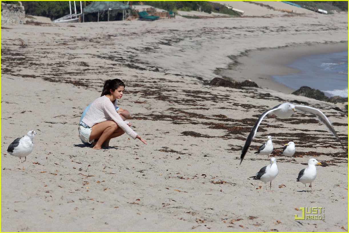selena gomez justin bieber beach 26