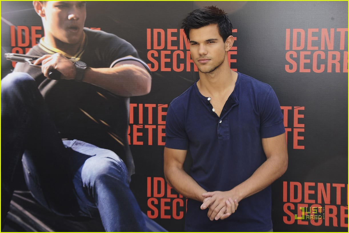 taylor lautner paris abduction 07