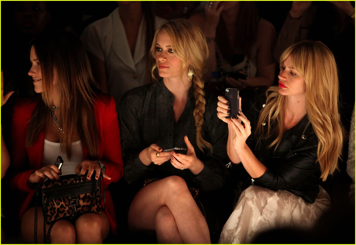 leven rambin minkoff show 04