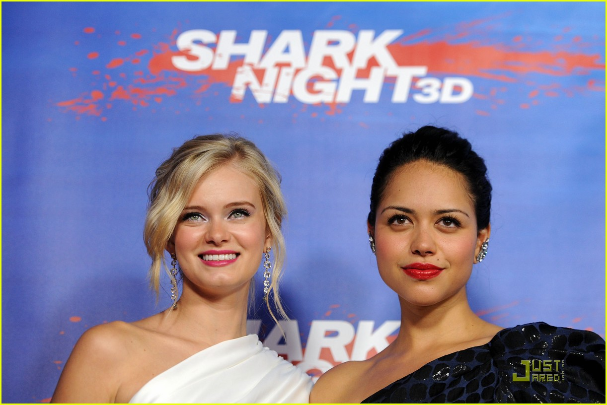 sara paxton shark night premiere 11